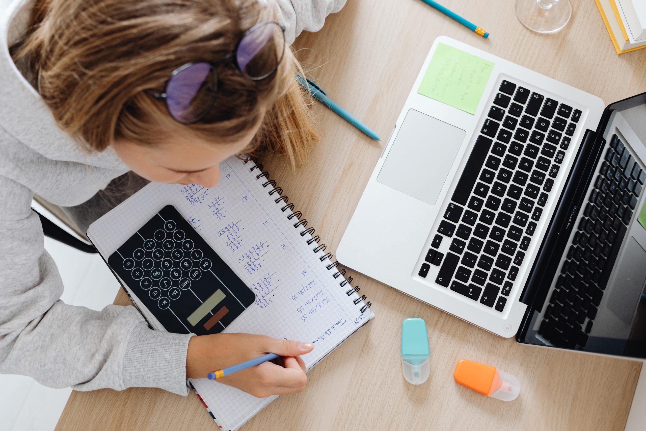Tehnologija v izobraževalnem procesu ima veliko prednosti